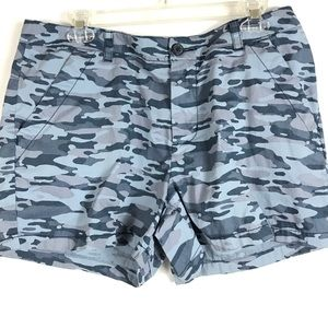 Columbia Blue Camo Shorts SZ 14